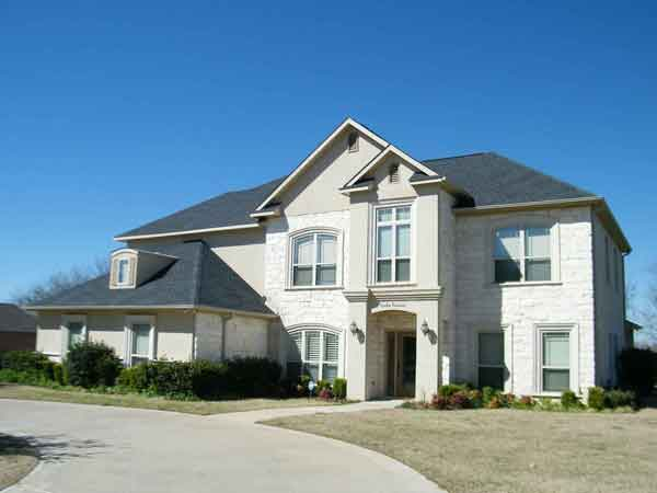 We buy houses in Columbus in any condition with cash.