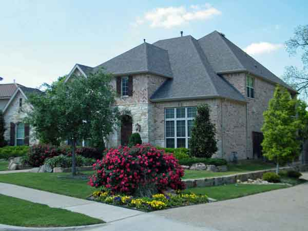 We buy houses and all residential properties in the Chicago metro area in any condition with 100% cash.