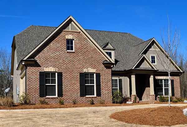 We buy houses and all residential properties in the Durham metro area in any condition with cash.