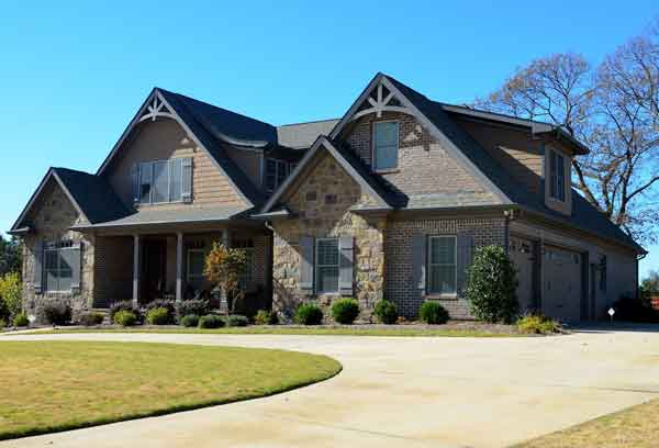 We buy houses and all residential properties in the Kansas City metro area in any condition with cash.